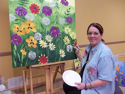 Donna Dewberry painting flowers