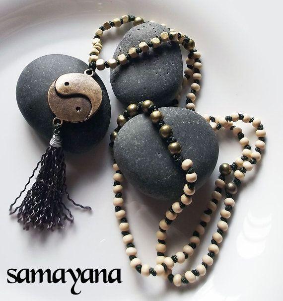 Japa Mala Rosario Budista con Dije Yin Yang. 108 por Samayana, $26.50