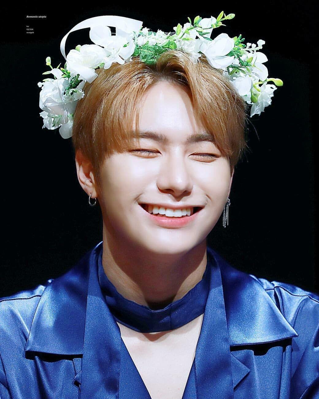 Victon Seungsik Bias Korea Idol Kpop Victon Kpop Aesthetic Flower Boys