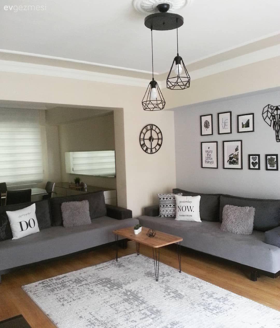 Bu Evde Modern Stil El Emegi Dokunuslar Ile Kimlik Kazanmis Ev Gezmesi Oturma Odasi Dekorasyonu Oturma Odasi Fikirleri Oturma Odasi Tasarimlari