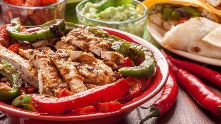 طريقة عمل فاهيتا الفراخ Recipe Healthy Chicken Fajitas Recipes Cooking Dinner