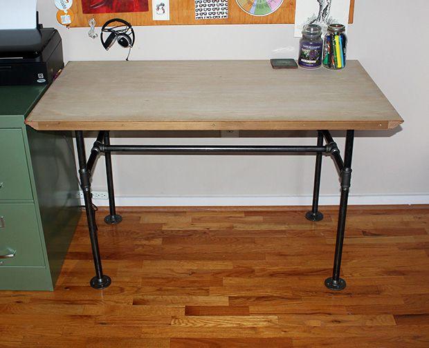 Industrial pipe desk diy for Industrial pipe desk