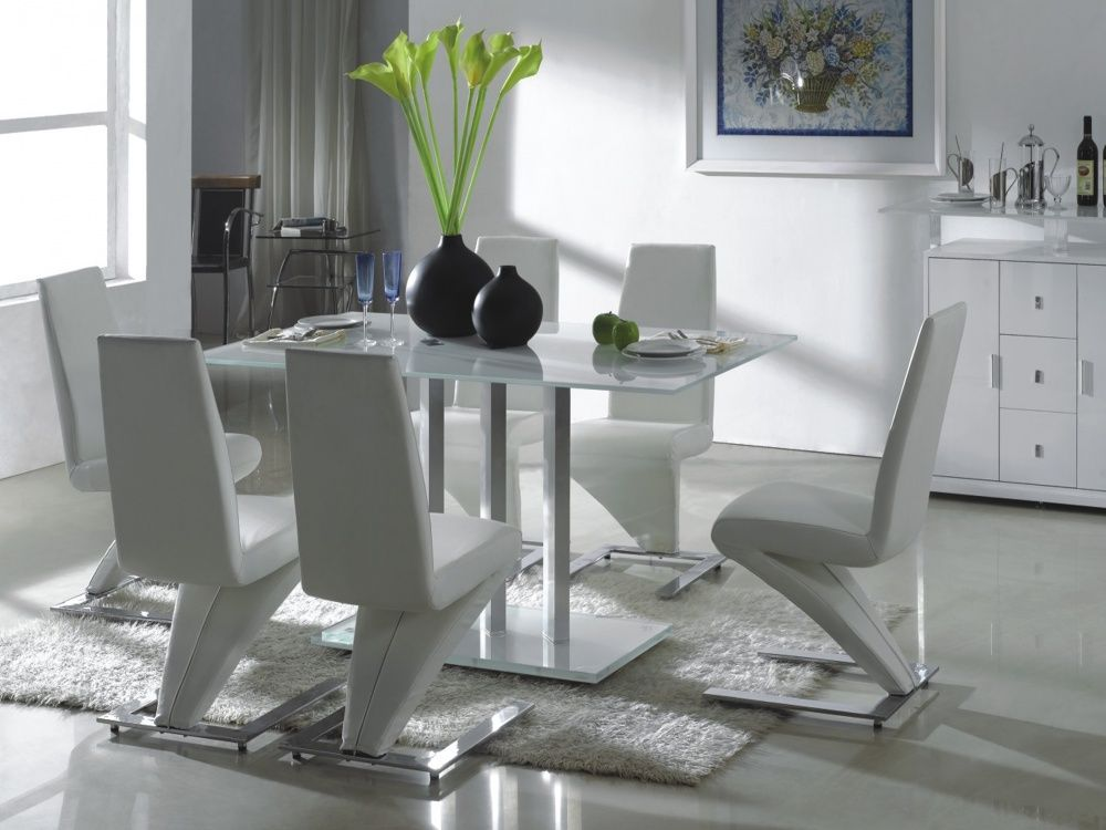 Photo White Leather Dining Chairs And Table Images