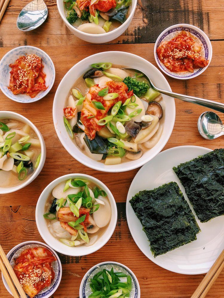 Korean rice cake soup tteokguk 떡국 with images korean