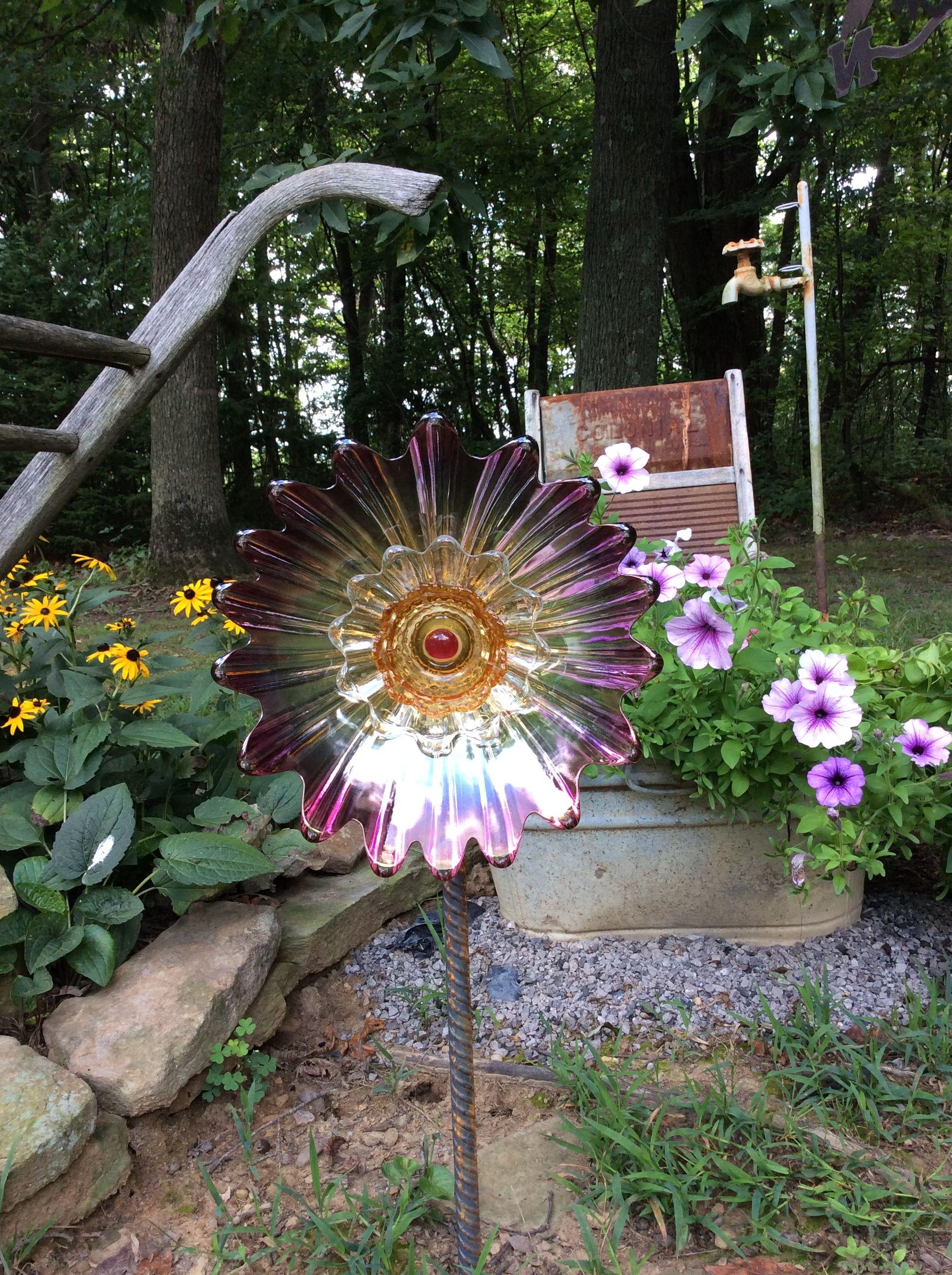 Glass yard art  Pin by Linda Wingard on Lindaus Glass Garden  Pinterest  Glass