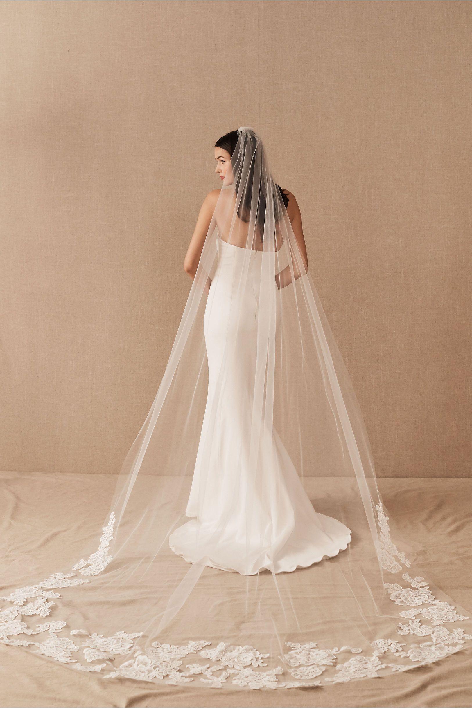 Amsale Noni Cathedral Veil Amsale Wedding Dress Wedding Dress With Veil Long Veil Wedding [ 2440 x 1625 Pixel ]