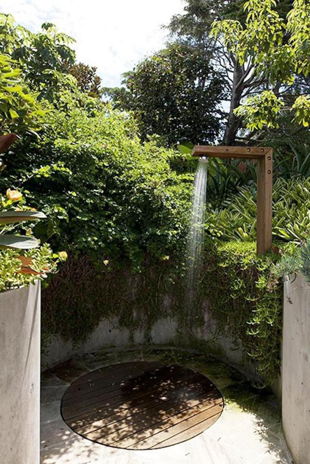 Contemporary Art Websites Outdoor Bathroom With Forest View Surounding With Clasic Traditional Design Showers The Best Outdoor Bathroom Ideas