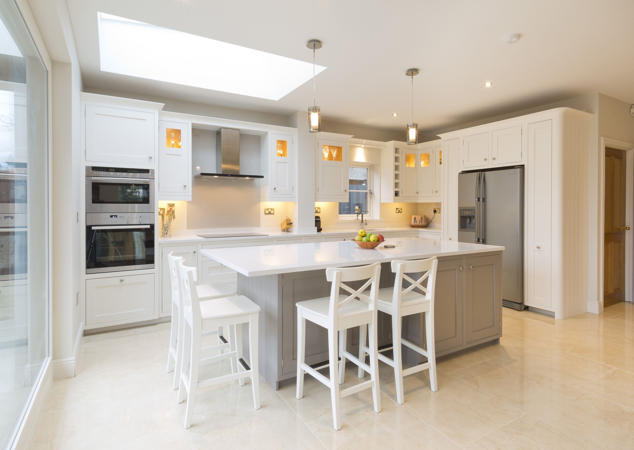 Best An In Frame Kitchen With A Shaker Door Painted In Strong 400 x 300