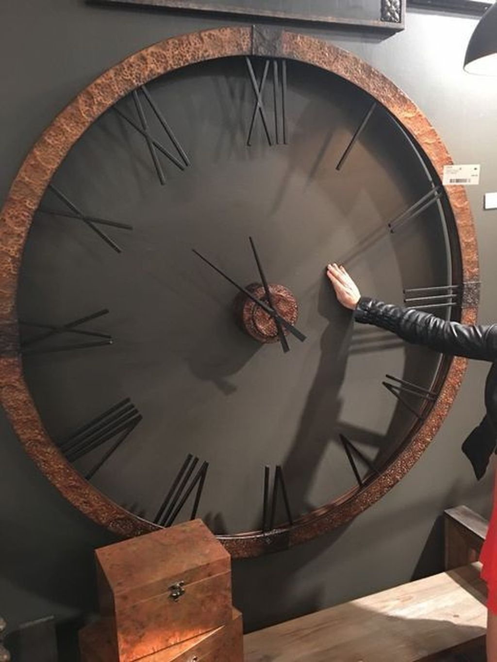 40 Stylish Clock Design Ideas With Photo Wall Decorations To Have In 2020 Wall Clock Copper Diy Clock Wall Clock Wall Decor