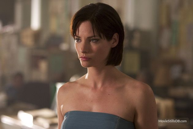 Sienna Guillory As Jill Valentine In Resident Evil