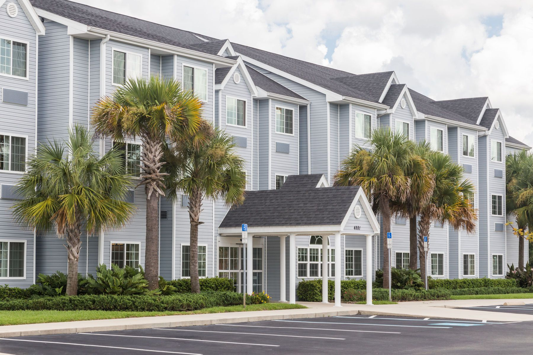 Microtel Inn Suites By Wyndham Spring Hill Weeki Wachee Hotel In