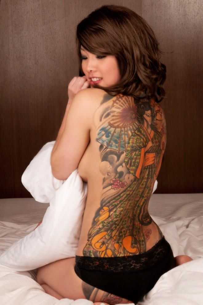 Porno con chicas tatuadas