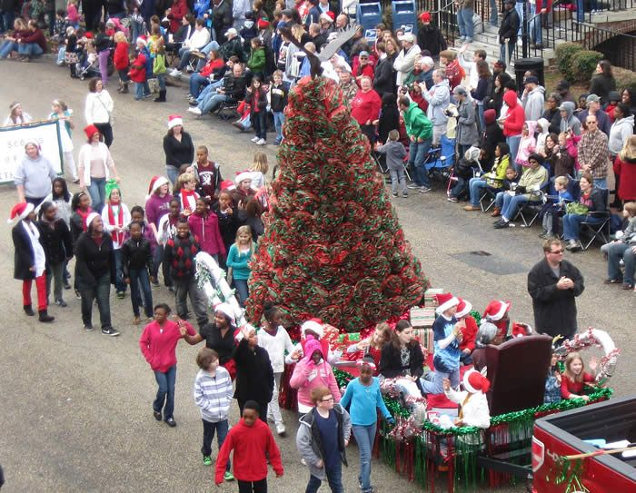 Westside Elementary School Christmas Parade Parades Holiday Decor