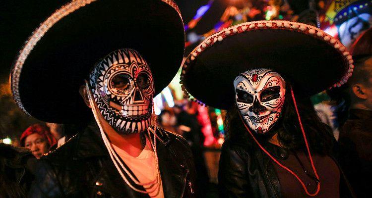 Easy Halloween Makeup Tutorials Featuring Harley Quinn, Melting - terrifying halloween costume ideas