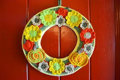 Photo of Autumn crochet wreath (pattern for pumpkins and flowers). Very nice! Thanks for …