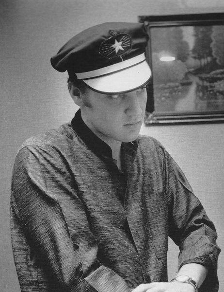 Elvis at 1034 Audubon Drive, Memphis, July 4, 1956