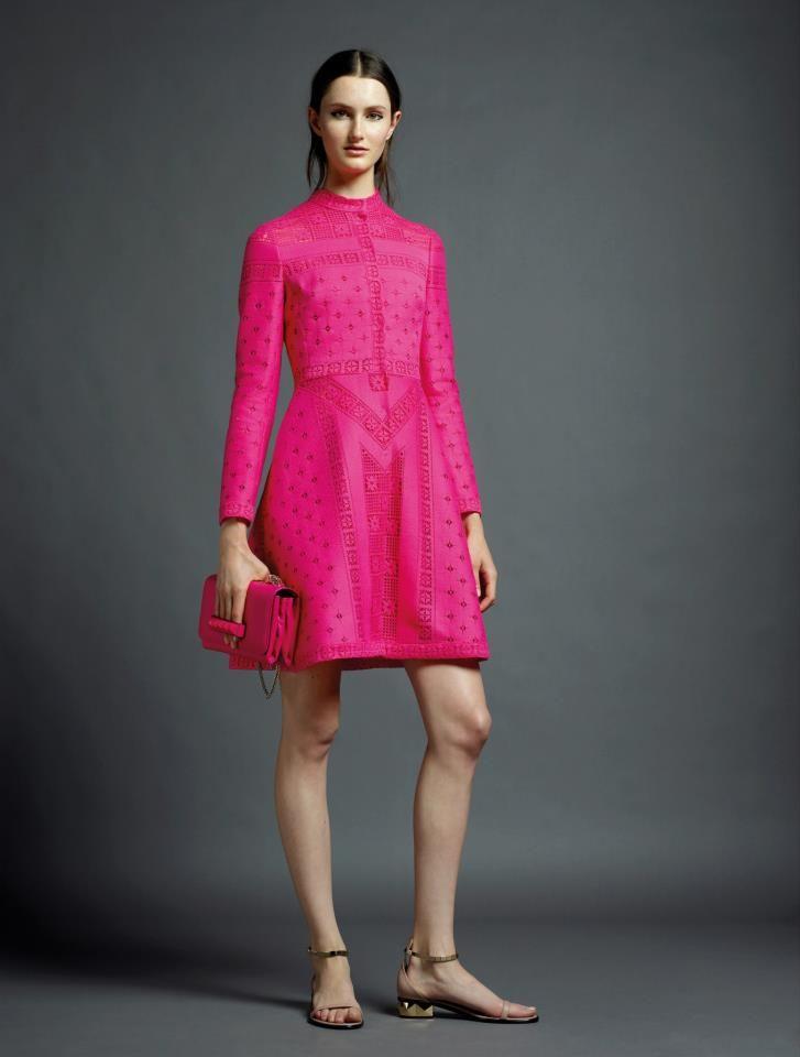 looks like an Audrey Hepburn dress ~ Valentino | zapatos | Pinterest ...
