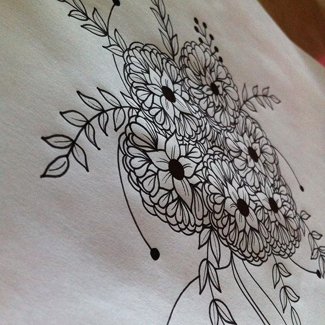 A great Friday afternoon :) #friday #flowers #fridayflowers #drawing  #color #coloringbook #bw #draw #blommor #design #art #sketch #flowerwreath #rajz