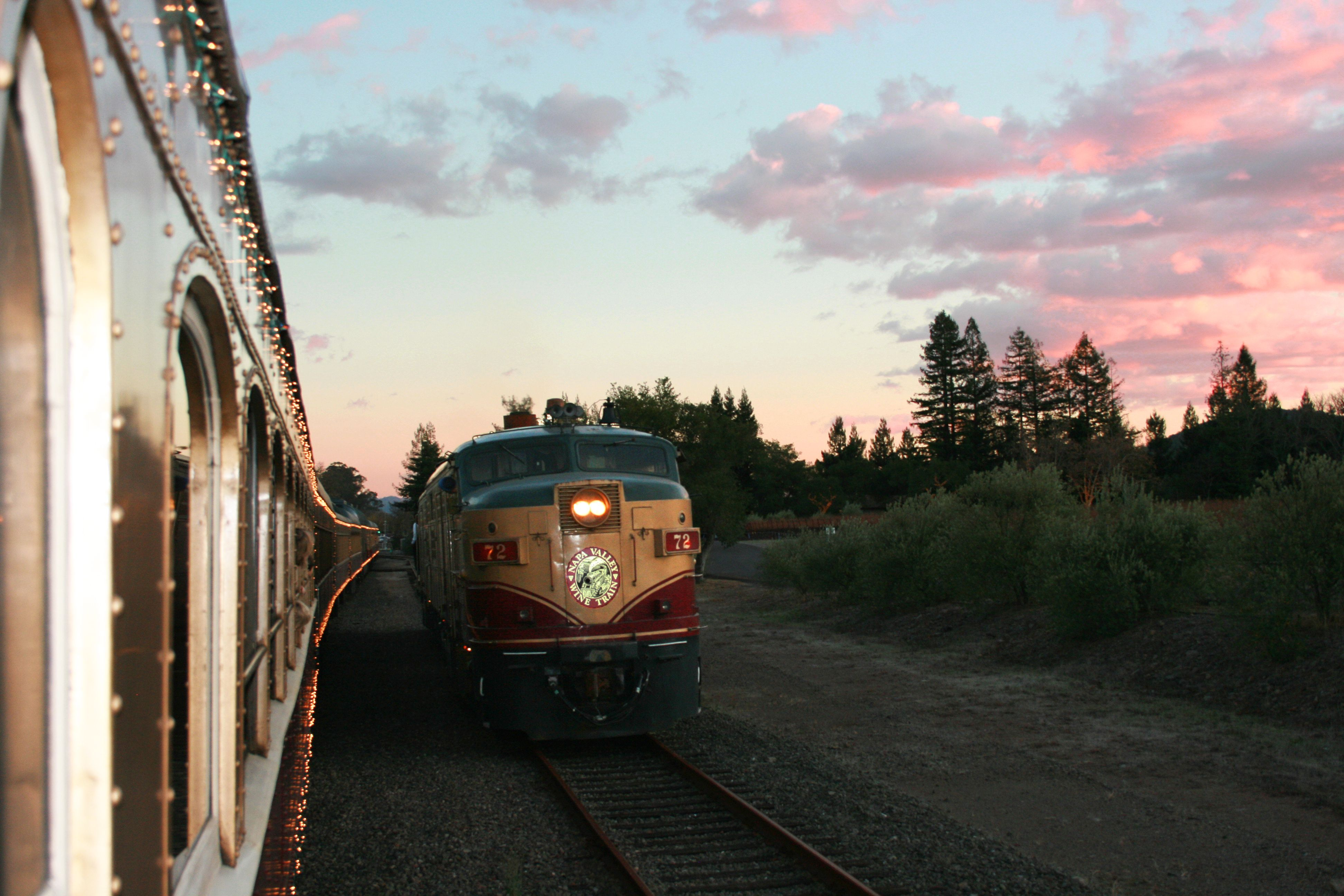 Doing The Run Around At Sunset Napa Valley Wine Train Napa Ca Wine Train Napa Valley Wine Train Winery Tours