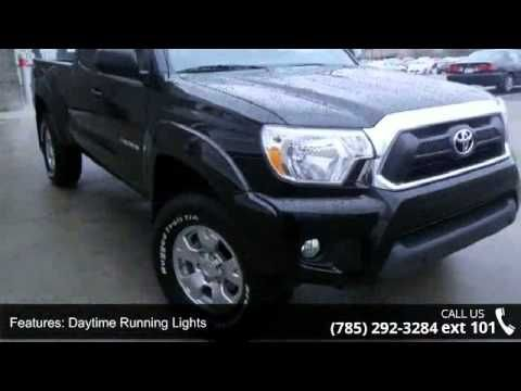 2015 Toyota Tacoma V6 - Lewis Toyota - Topeka, KS 66614  It's ready for anything!!!! Come and get it. New Arrival* Awesome! 4 Wheel Drive!!!4X4!!!4WD!!!