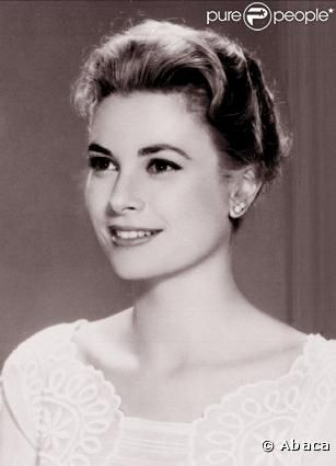 La sublime Grace Kelly, incarnation de la classe, et son chignon bas