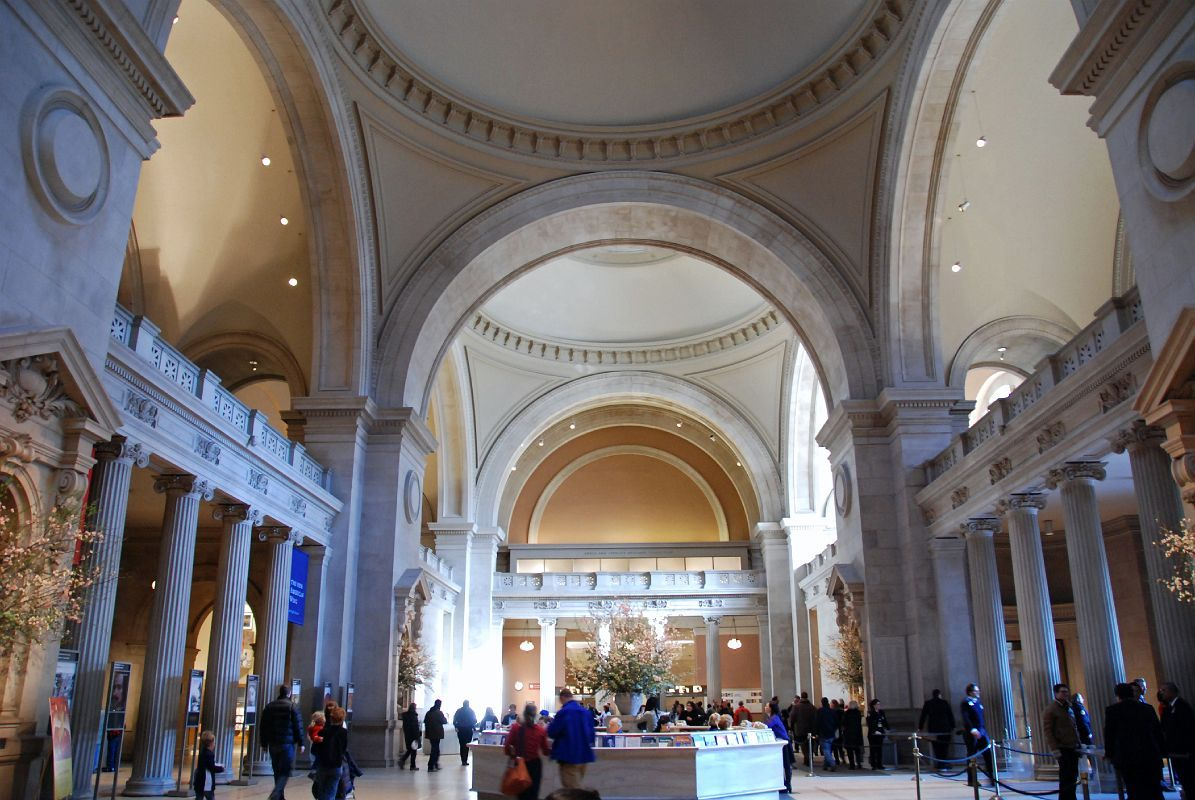 Foyer Museum York : The metropolitan museum of art new york city