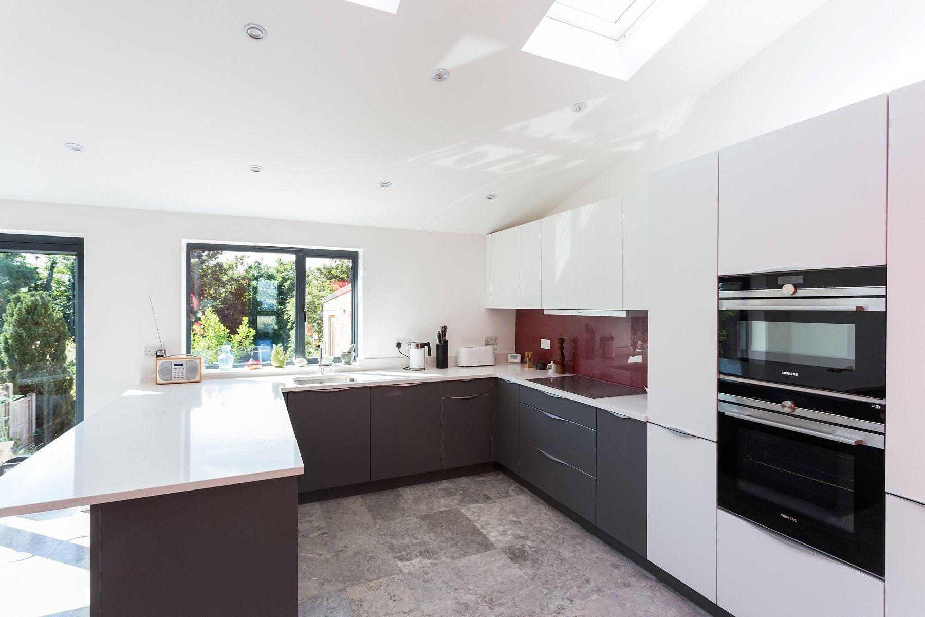 Matt Quartz Grey and White Nolte Kitchen with top mounted handles ...