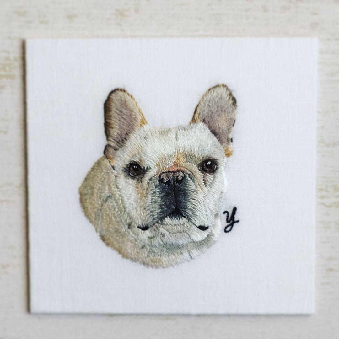 イニシャルも入れて ひとまず完成 フレームをどうするかなというところです Embroidery Art Needlepainting Petportrait 刺繍 手刺繍 ペット ものづくり ペ Embroidery Works French Bulldog Dogs