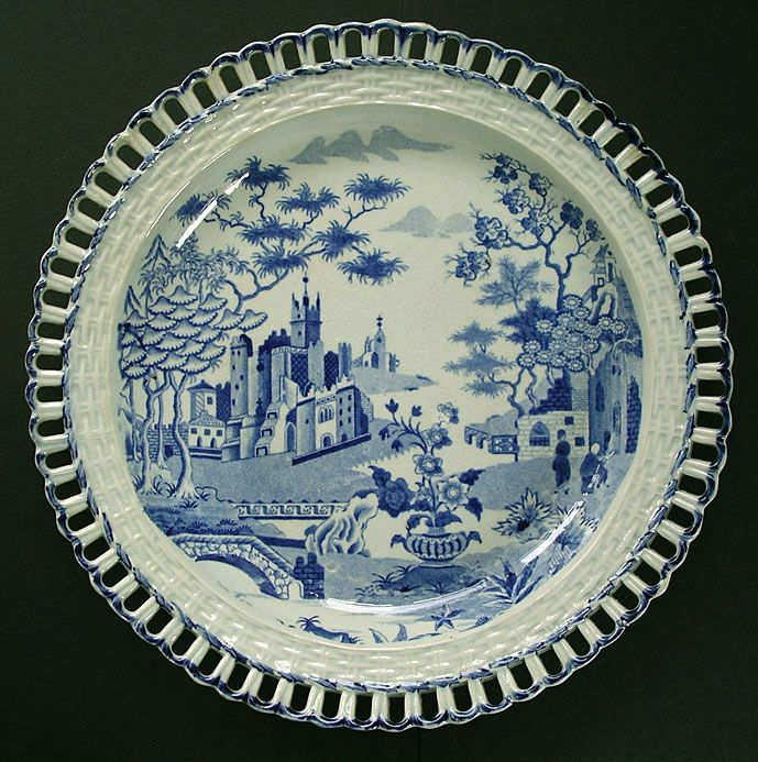 rare antique pottery gothic castle pattern arcaded dish with transitional chinoiserie decoration attributed to spode - Transitional Castle Decorating