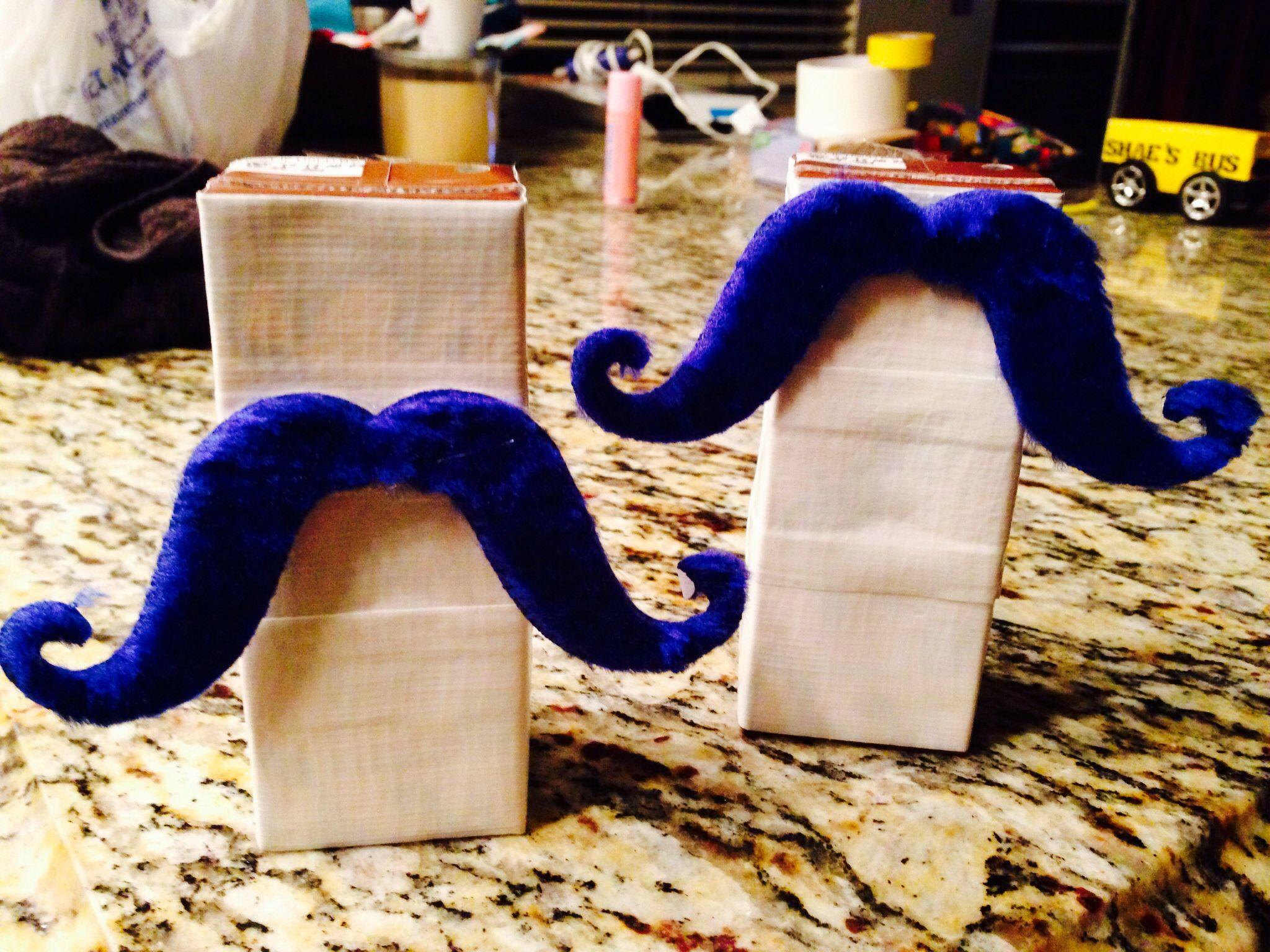 Mustache a Yoohoo