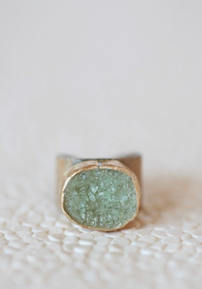 so beautiful! Meadow Mist Indie Ring | Modern Vintage Jewelry #shoperuche