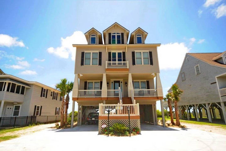 Myrtle Beach Oceanfront 8 Br 8 5 Ba Sleeps 30 Beach Houses For Rent Beach House Rental Vacation Home Rentals
