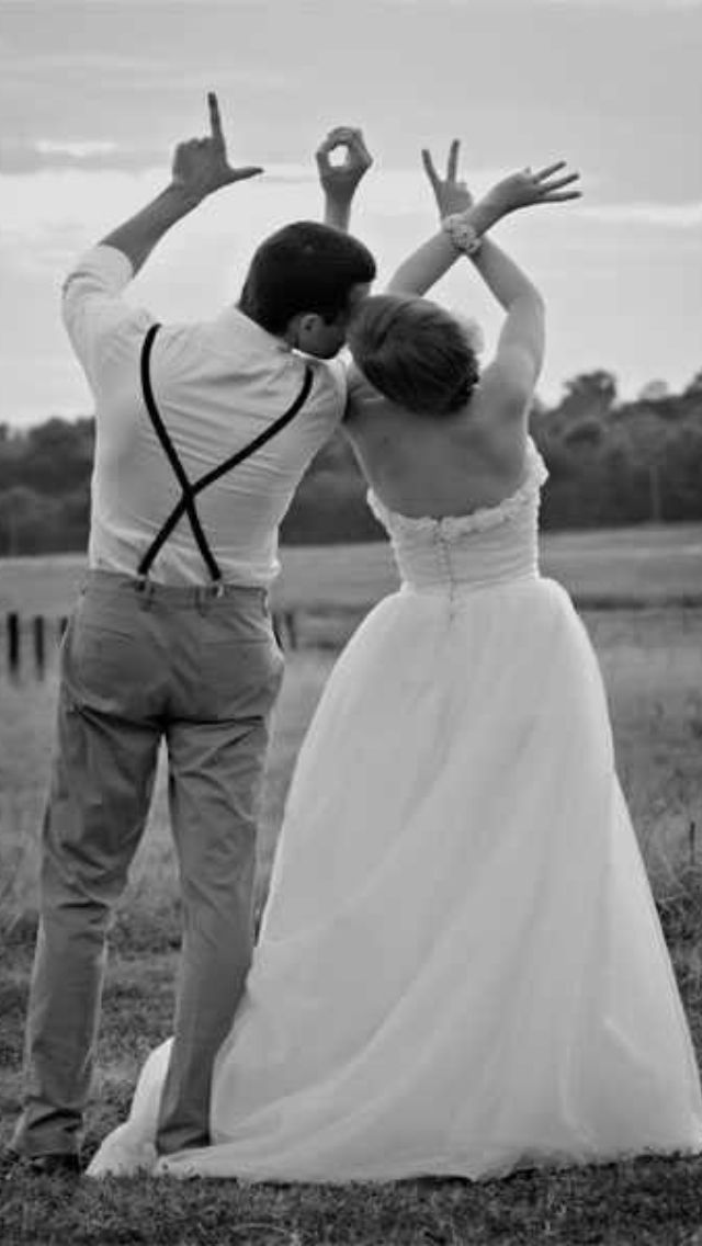 Doing this on my wedding day too cute BlogPhotography