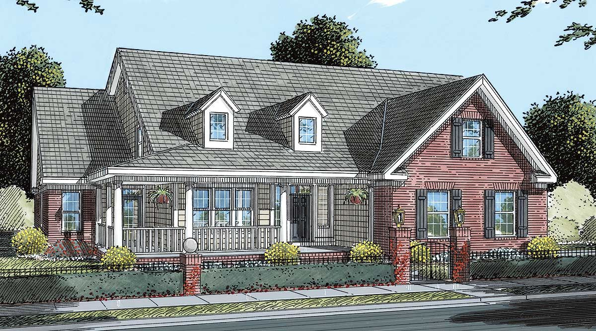 Plan 40204wm Delightful 5 Bedroom Traditional Home Plan With Main Floor Guest Suite Traditional House Plans House Plans Traditional House