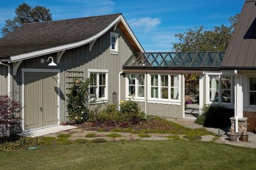 Covered Connector Between House Garage The Garage Looks Like A Cool Little Barn Love It House Exterior Breezeway Exterior House Colors