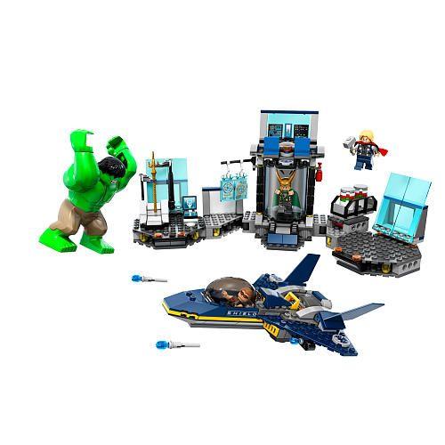 LEGO Marvel Super Heroes The Avengers Hulk's Helicarrier Breakout ...