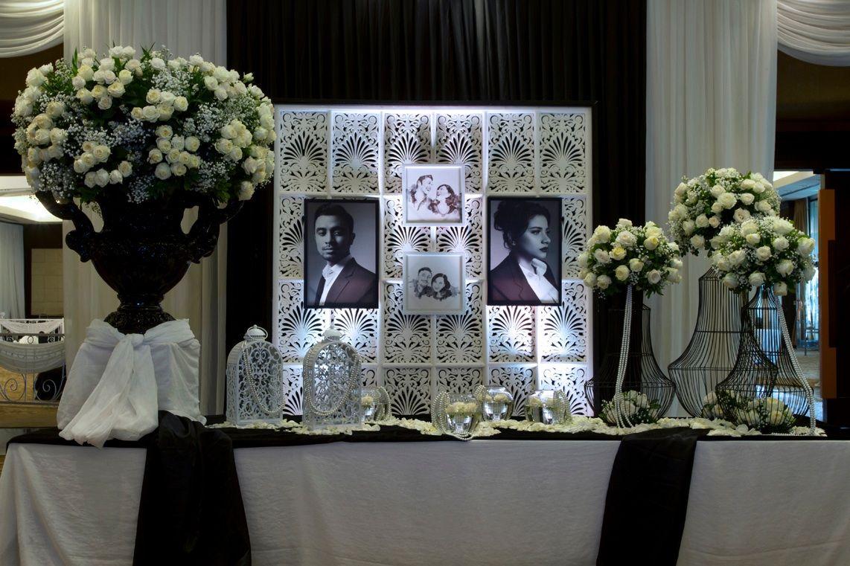 Mawarprada dekorasi pernikahan pelaminan wedding decoration mawarprada dekorasi pernikahan pelaminan wedding decoration romantic blackandwhite junglespirit Images