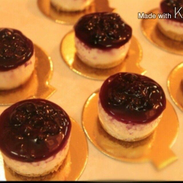 روائع المطبخ On Instagram تشيز كيك التوت الطبقة الأولى علبة بسكوت دايجستف أو شاهي مطحون أصبع زبدة ملعقة كبيرة قشطة ت Desserts Cheesecake Mini Cheesecake
