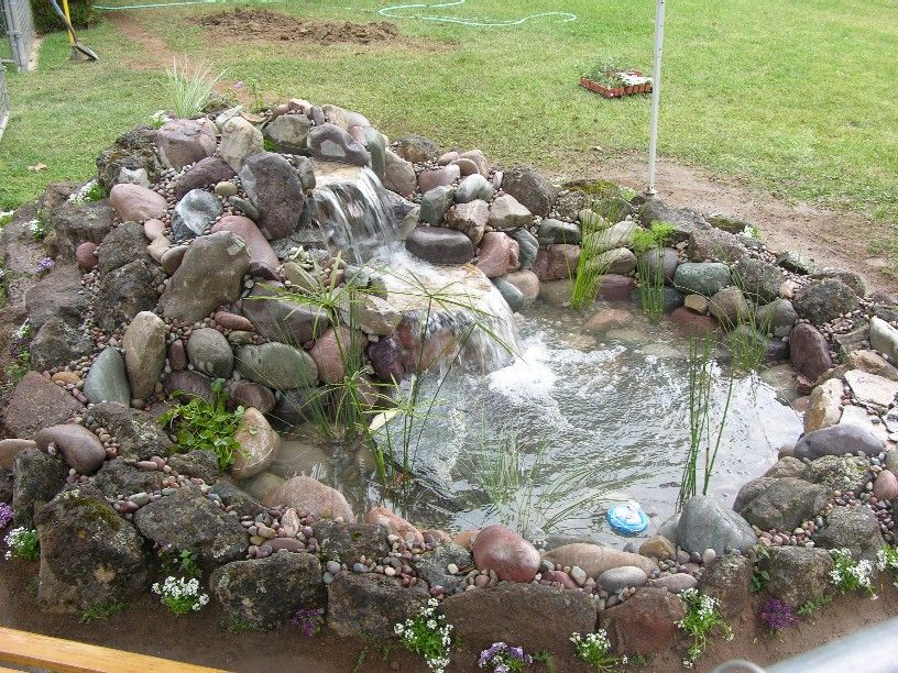Small pond waterfall ideas small pond 5 39 x7 39 with one for Garden pond fountain design
