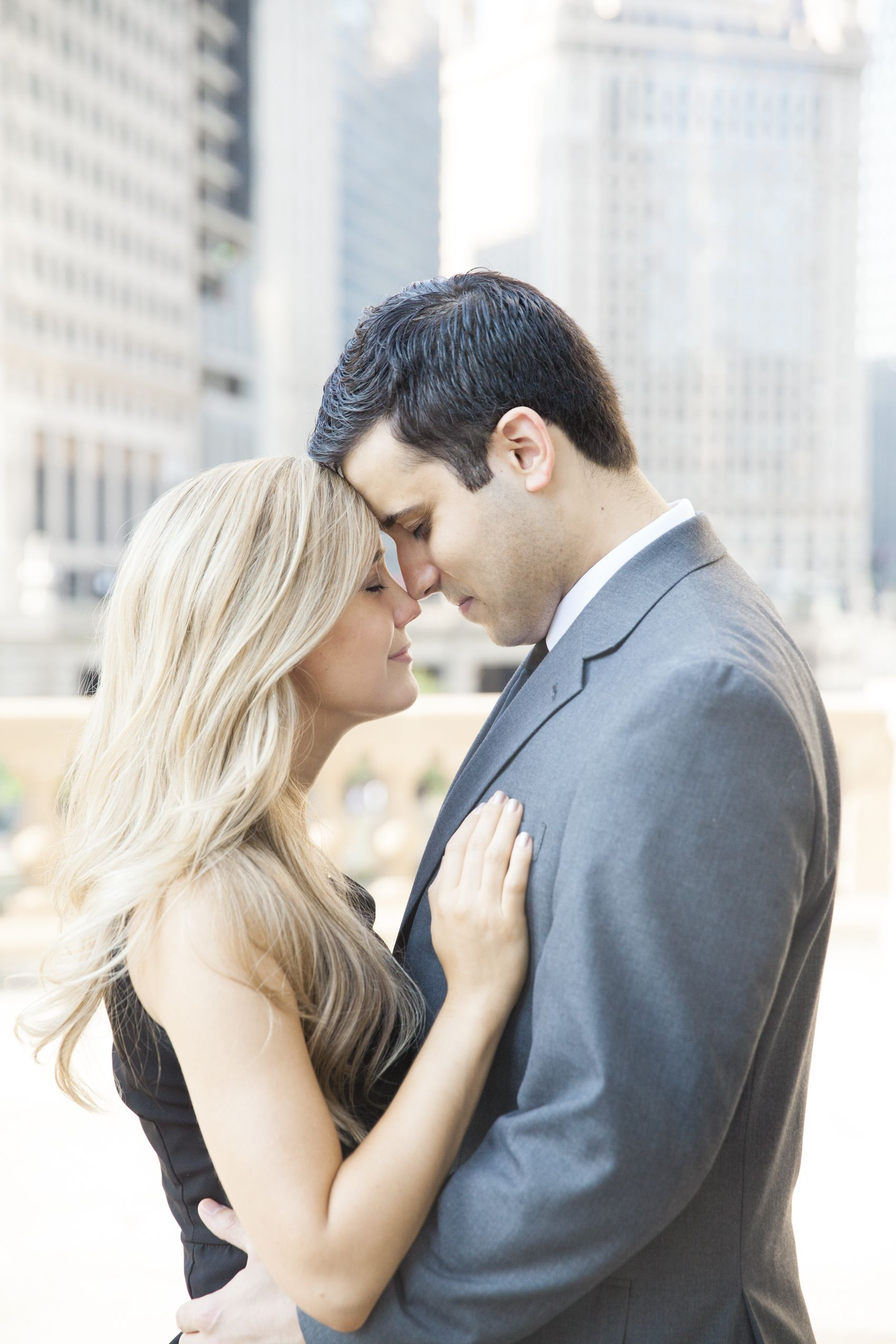 A Sparkling Chicago Engagement // Lisa Diederich Photography