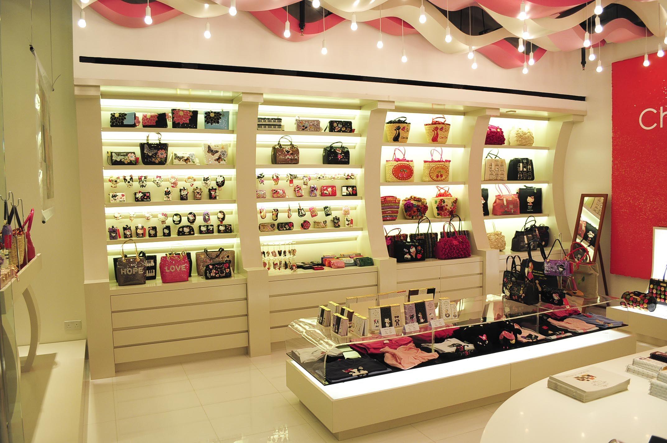 trang trí cửa hàng phụ kiện thời trang hải phòng