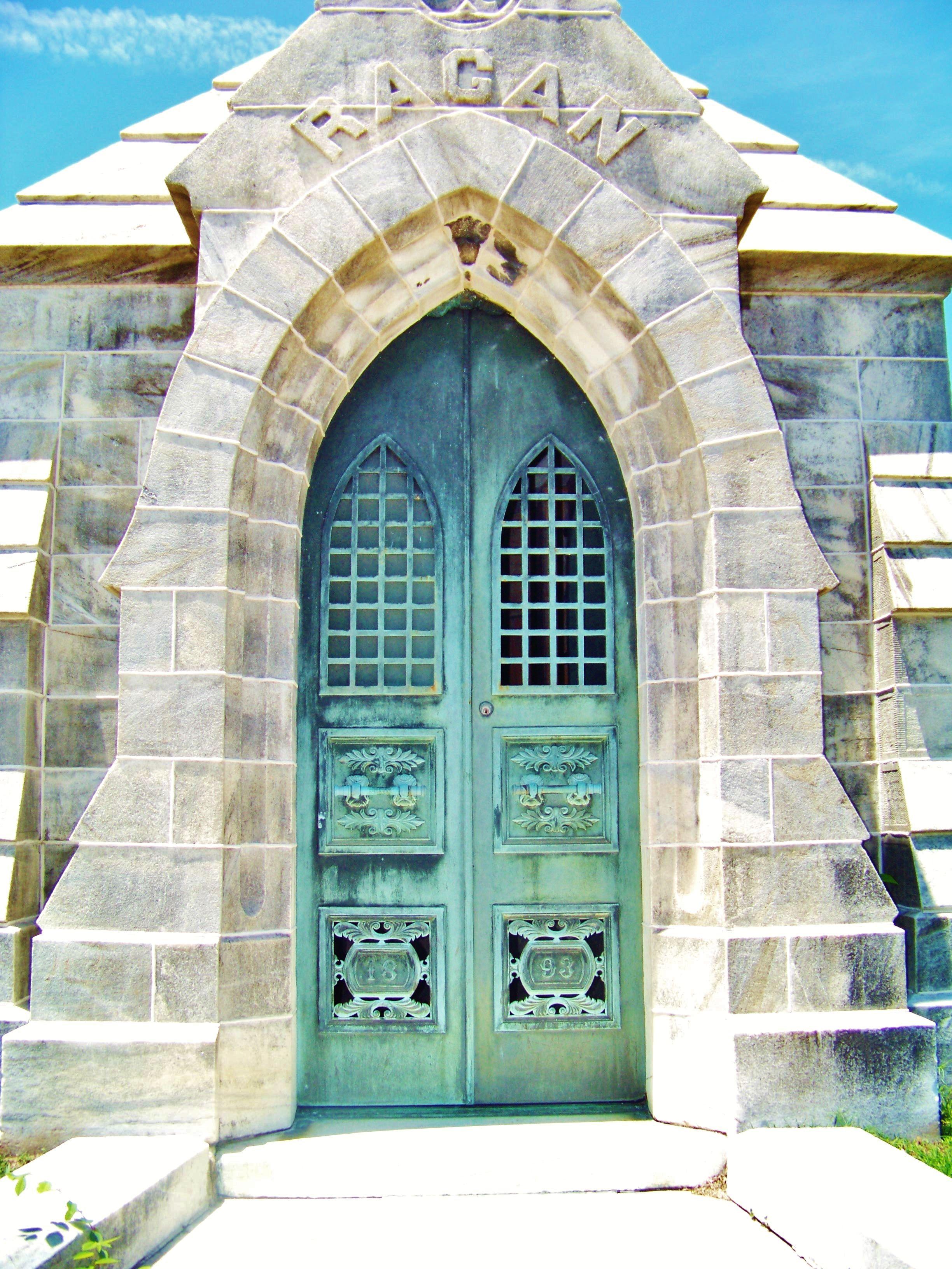 Photographers · Deaths Door  sc 1 st  Pinterest & Deaths Door | Cemetery | Pinterest | Freelance photography ...
