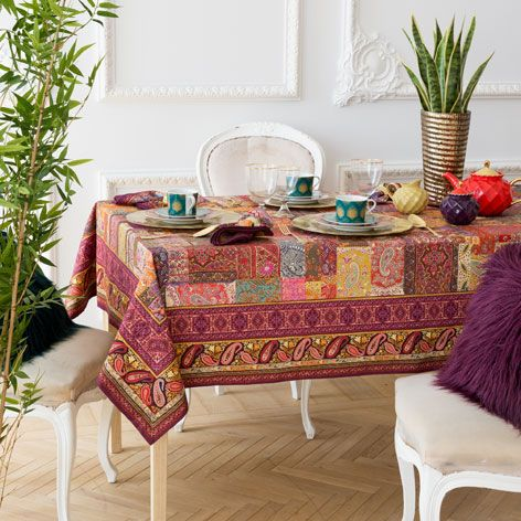 PAISLEY PRINT COTTON TABLECLOTH AND NAPKIN