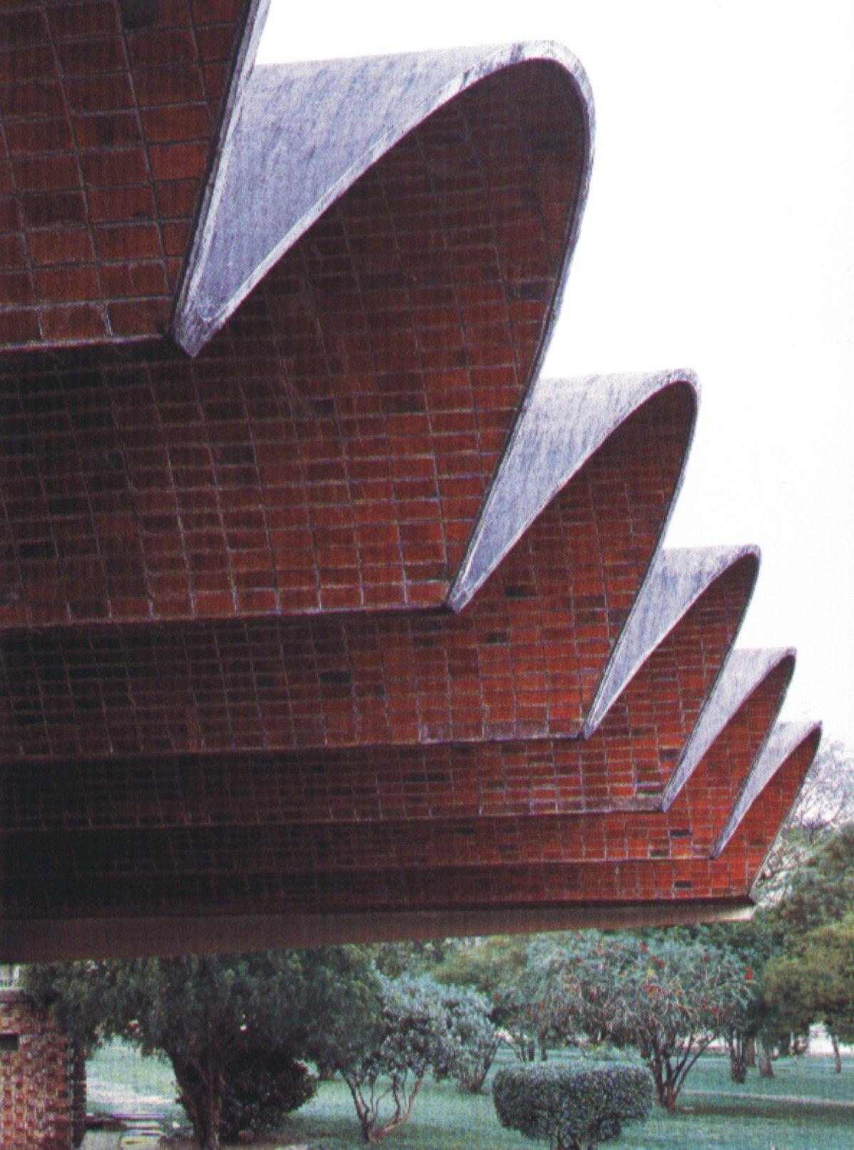 Terminal De La Ciudad De Salto Departamento De Salto Uruguay Brick Architecture Roof Architecture Architecture