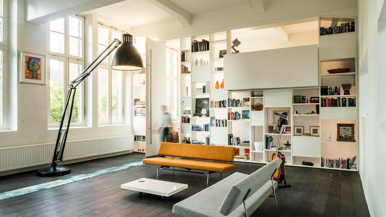 Design Hoge Kast : 4m hoge kast op maat met persoonlijke bezittingen extra hoge