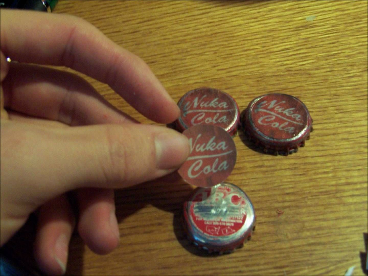 Nuka cola bottle caps how to make random craft things for How to make things with bottle caps