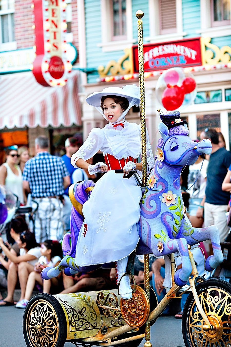 Disneyland Mickey's Soundsational Parade Mary Poppins #disneyland #marypoppins