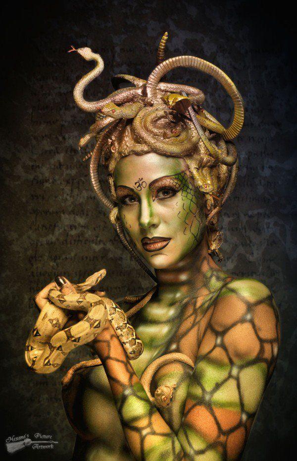 medusa with body paint and sculptural head dress   fantasía
