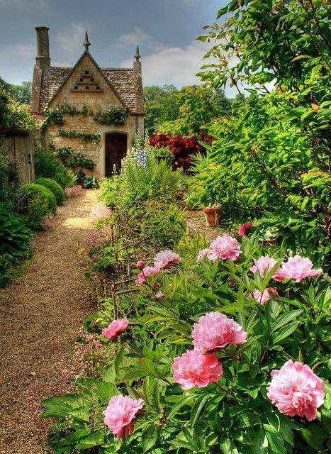 My Serenity Cottage Garten Hutten Im Englischen Stil Traumgarten