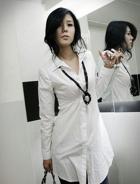 19f2e205e camisa blanca larga es casual y elegante al mismo tiempo